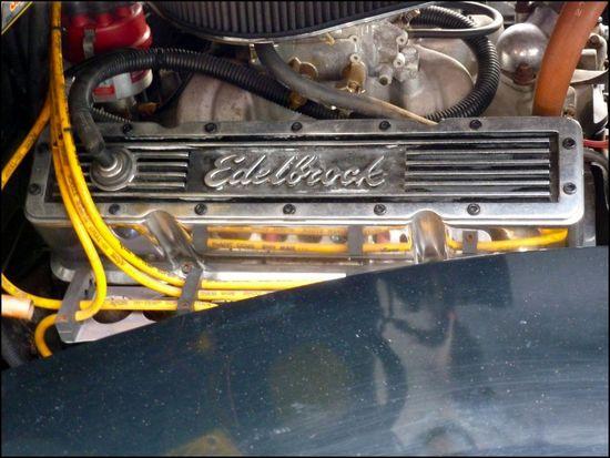 Edelbrock-engine