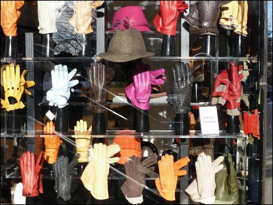 Sermoneta-glove-store