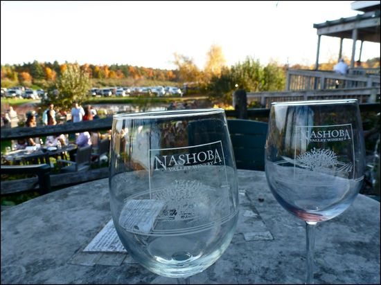 NashobaValleyWinery-glasses