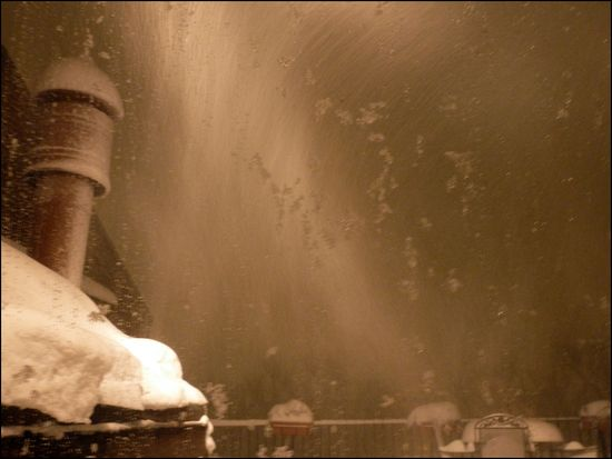 Feb8-snowing